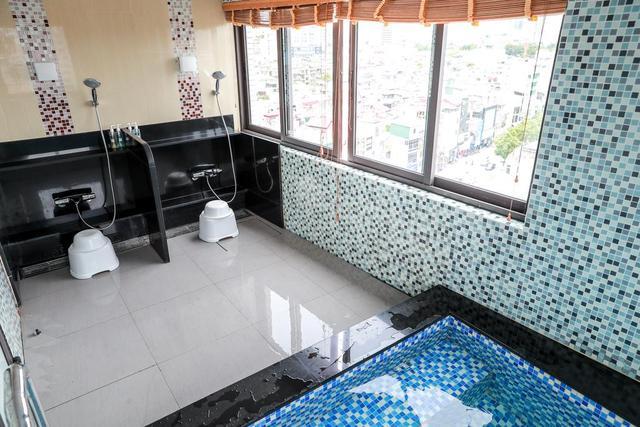 Kuretake Hanoi Premium Hotel