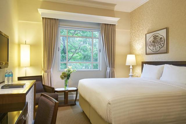 Rendezvous Hotel