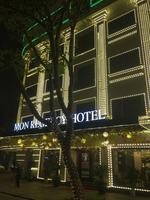 Khách sạn Mon Regency