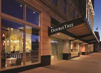 DoubleTree Suites by Hilt...