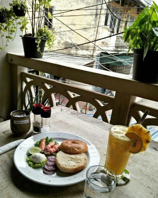 Kinyei Cafe