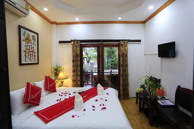 Singharat Guest House